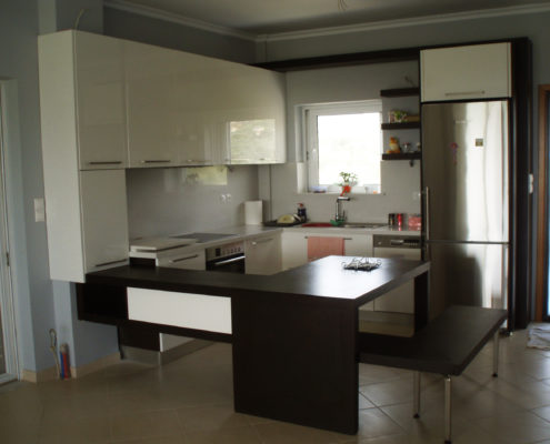Arki Topo – Architecture & Topography - Kitchen design for an apartment, Kalamata, Greece